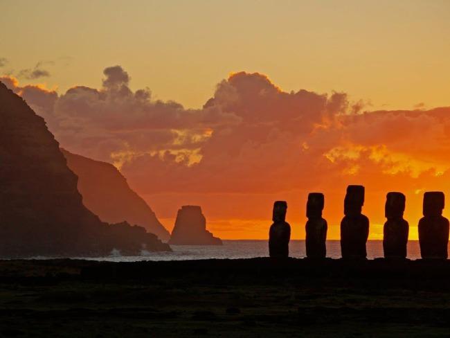 moai-island