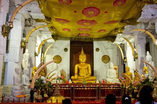 Храм Зуба Будды Канди