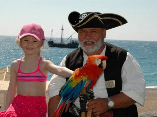 Pirates Beach Club1